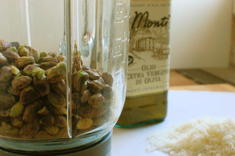 Pesto al pistacchio blender